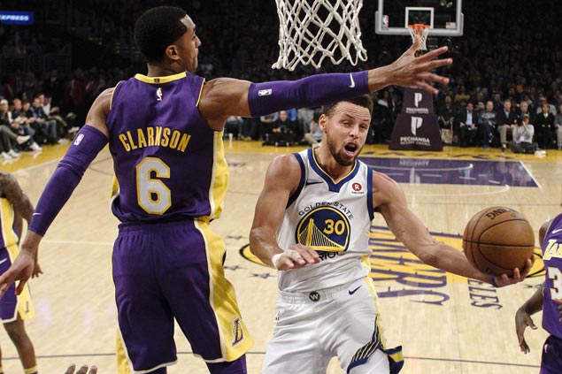 Curry, KD return as Warriors overcome Lakers in overtime to get back on track