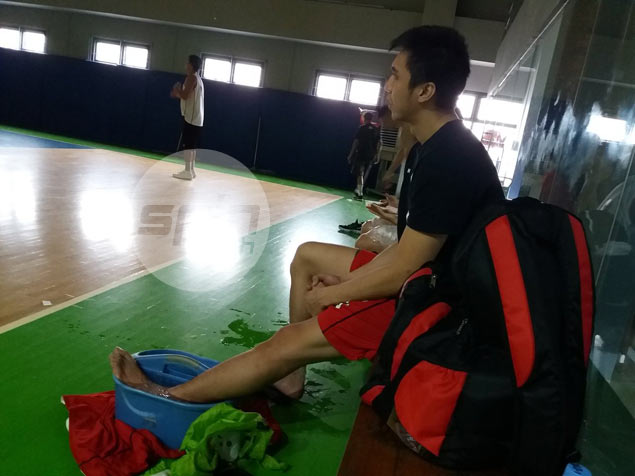 Ginebra recruit Art Dela Cruz's comeback set back by yet another knee injury