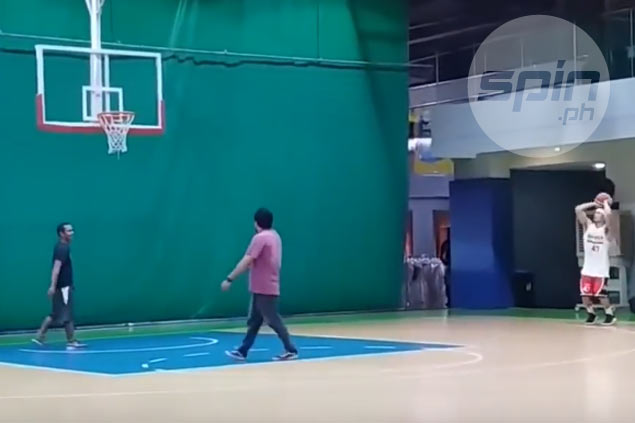 Mark Caguioa, 38, puts in extra work as he prepares for 15th season in PBA. WATCH