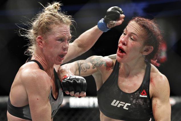 'Cyborg' gets dragged to five rounds for first time, outpoints Holly Holm to retain UFC title