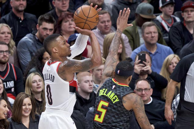 Blazers use balanced offense to end three-game home losing run to Hawks