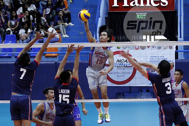 Arellano clobbers winless Letran to keep slate unblemished in NCAA men's volleyball