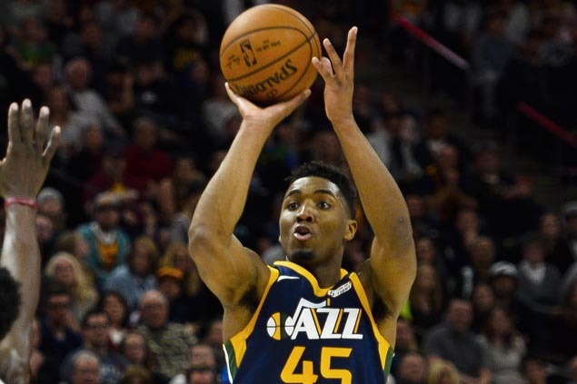 Rookie Donovan Mitchell sparks second-half surge as Jazz turn back Kings
