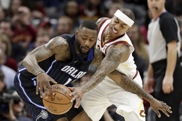 Isaiah Thomas hits big free throws to avert Cavs collapse vs Magic and end four-game slump