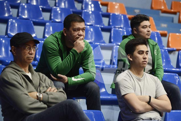 Louie Gonzalez makes first appearance as La Salle coach as Aldin Ayo on stands scouting Cubs game