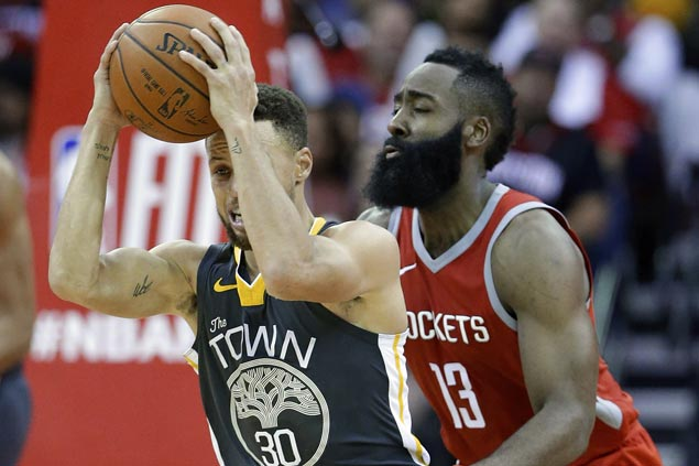 James Harden outplays Steph Curry in endgame as Rockets end Warriors' road win streak at 14