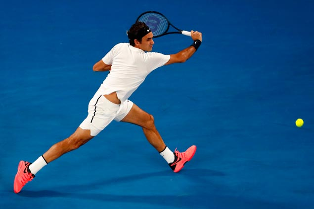 Roger Federer Eases into Australian Open Final