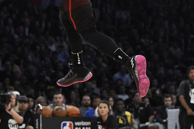 Check out who wore hottest kicks as LeBron 865aa4b24