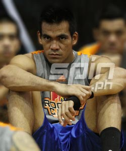 A reliable man especially in highly physical games, Vic Manuel can be an asset to any team. Photo by Jerome Ascano