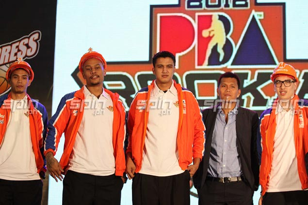 Eric Suguitan is picked 32nd and joinsJanus Lozada, Kelly Nabong and Cliff Hodge at Meralco.Jerome Ascano
