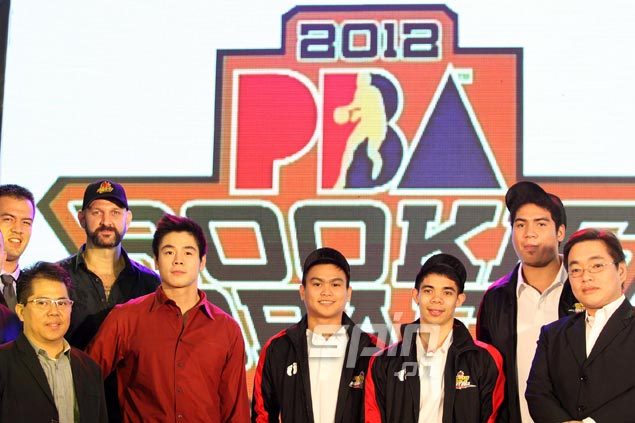 Barako Bull looks to add some fresh players to its backcourt by picking guards Lester Alvarez and Emman Monfort 15th and 16th, respectively.Jerome Ascano