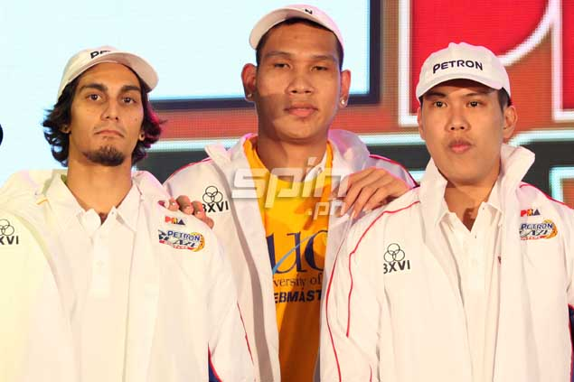 After two early picks--June Mar Fajardo first and Alex Mallari at No. 3-- Petron's next pick was way down 25th, which they used to tab Mark Sarangay of Mapua.Jerome Ascano