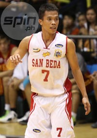 Sophomore guard Baser Amer hit two clutch triples to help San Beda defeat Letran. Photo by Jerome Ascano