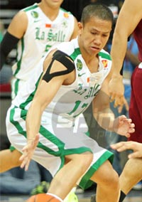 Almond Vosotros stepped up in the absence of starter LA Revilla and fired 21 points to help La Salle beat UP. Photo by Jerome Ascano