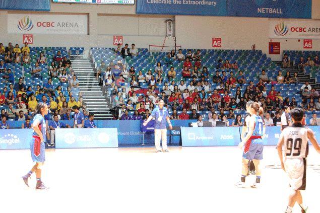 Perlas Pilipinas coach Pat Aquino showing his displeasure against officiating. Reuben Terrado