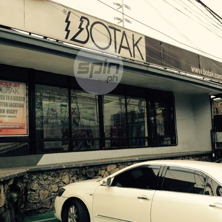 The old BOTAK office and showroom at the corner of EDSA and Kamuning Road in Quezon City.