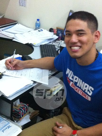 Kevin Alas files his application at the PBA office. Photo by Richard Dy
