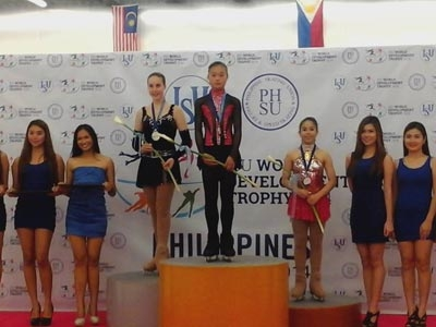 Elia Mendoza (right) took third place in the Basic Novice B group.