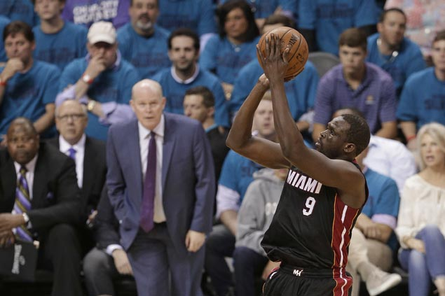 Wade says Deng's emergence salvaged the season for Bosh-less Heat