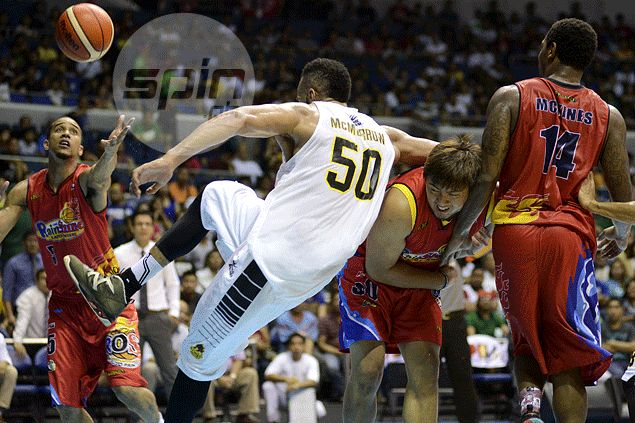 The play that started the shoving incident between Beau Belga and Liam McMorrow. Jaime Campos