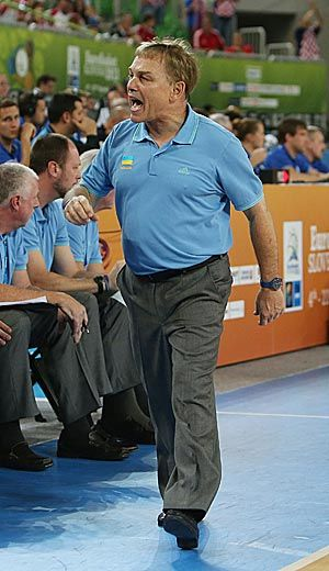 Former Grizzlies coach Mike Fratello has been with the Ukrainian national team for three years. Photo by AP