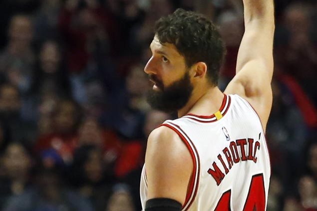 Nikola Mirotic out indefinitely dueto facial fractures, concussion sustained in fight with Bobby Portis at Bulls practice