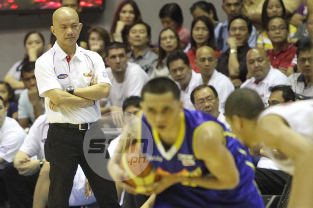 Rain or Shine coach Yeng Guiao tried to steer his squad to victory, but Talk N Text proved too much. Jerome Ascano