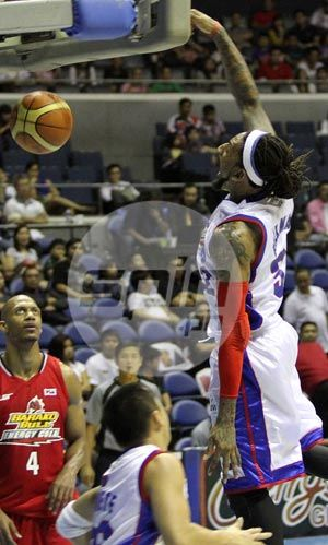 Renaldo Balkman, who had a short stint in the Philippines, comes up huge for Puerto Rico in the Fiba Americas. Photo by Jerome Ascano