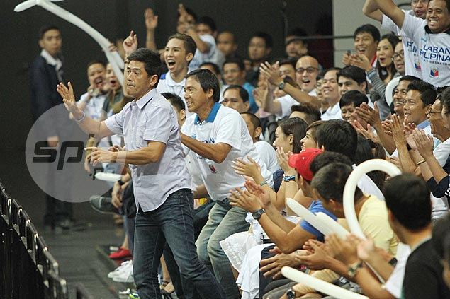 Timely assist from 'Bossing' Vic Sotto pumps up crowd in tense Gilas match