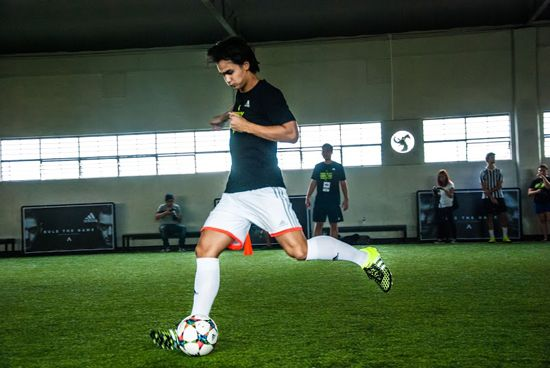 James Younghusband takes control in the ACE15. Yummie Dingding
