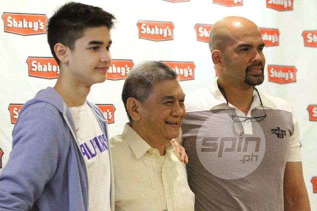 Kobe Paras, pictured left with SBP executive director Sonny Barrios and dad Benjie, missed the Iran event to compete in the world 3x3 championships in Malaysia. Jerome Ascano