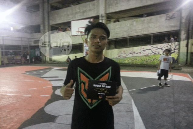 Pinoy streetballer Carlos Belvis impressed no less than NBA All-Star Paul George. Karlo Sacamos