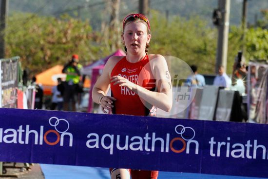 Camden Richter of Hong Kong crosses the finish line to win the Women's Junior Elite in the 2015 ASTC Asian Cup in Subic