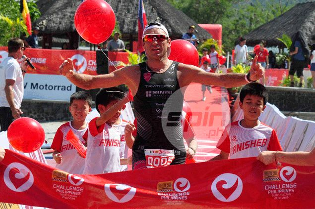 Italy's Dominico Passuello ruled the men's elite race. Dante Peralta