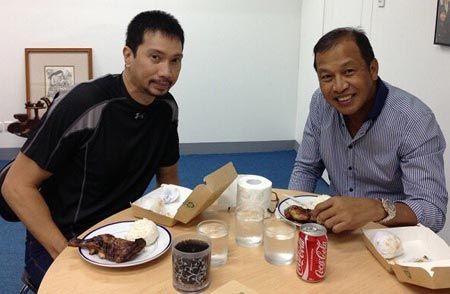 Edmund Yee with former UST teammate Ed Cordero.