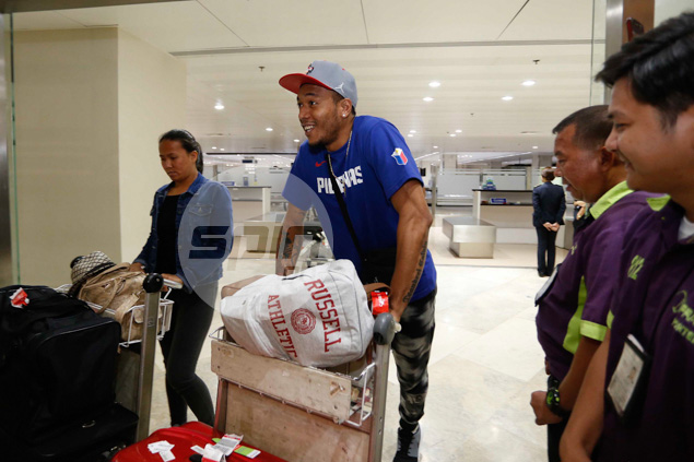 Cut in the 12-man Gilas lineup, Calvin Abueva still gets a warm welcome back home