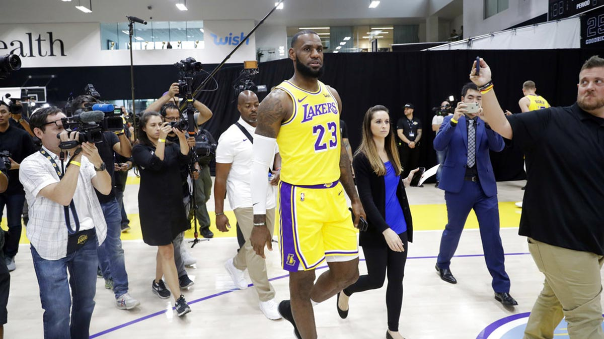 9d2ec1c6b8b LeBron admits Lakers far from matching Warriors: 'We've got a long way to  go'
