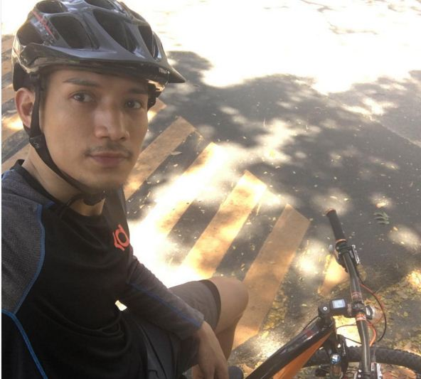 James Yap takes advantage of the three-day Star break to get on his bike. Photo from Jams Yap's Instagram account