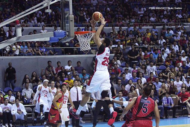 Here's another angle of the play, courtesy of the PBA's Nuki Sabio.