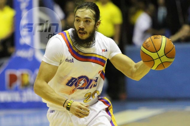 Jared Dillinger denies trying to hurt, or much less strangle, Alaska star Abueva