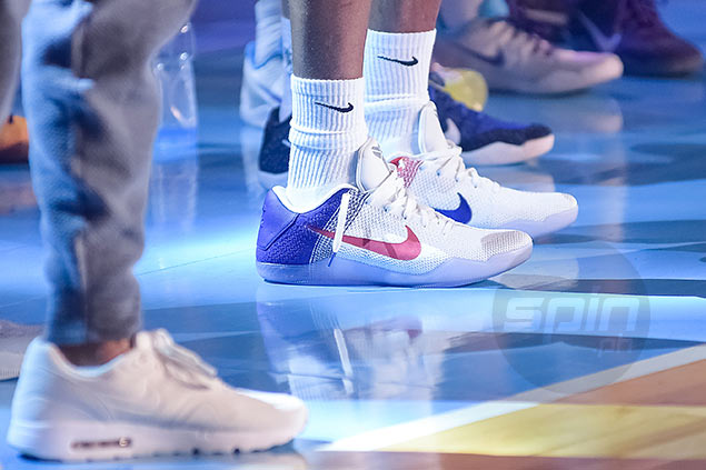 separation shoes 2d5e8 26f4d Kobe Bryant wore the  USA  colorway of the Nike Zoom Kobe 11 during his  Mamba Mentality tour in Manila. Jaime Campos