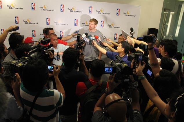 Winning never grows old for Spurs, says Manila visitor Matt Bonner
