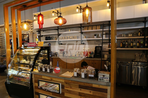 The cafe offers specialty coffee to complement a menu that includes pasta dishes, grilled sandwiches and dessert.