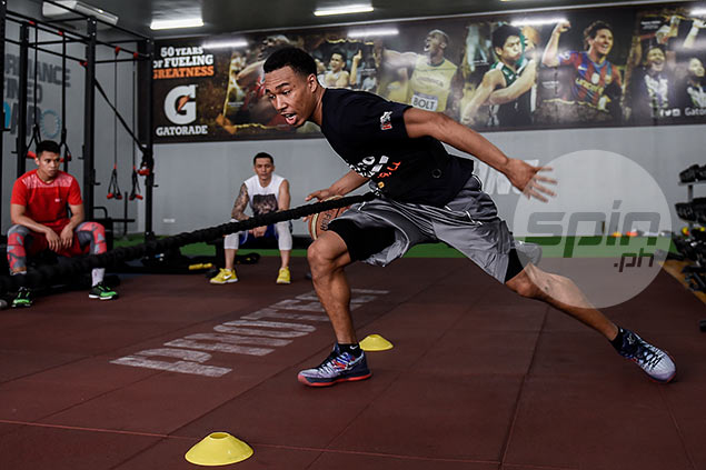 Meralco rookies Chris Newsome and Baser Amer had no hesitations in joining Jimmy Alapag in training