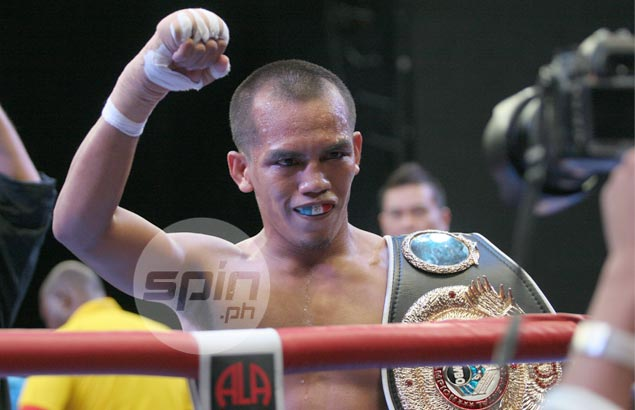 Glove and love, Milan Melindo's chief weapons as he defends world title against Hekkie Budler