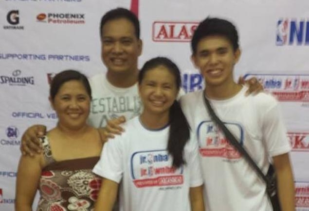 Thanks to FaceTime, US-based former PBA player Onie Padilla still guides blossoming cage careers of two children