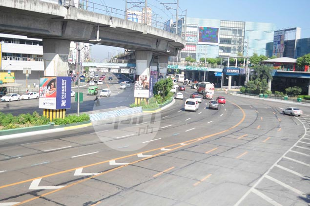 Edsa still relatively quiet hours before Manny Pacquiao's fight. Dante Peralta