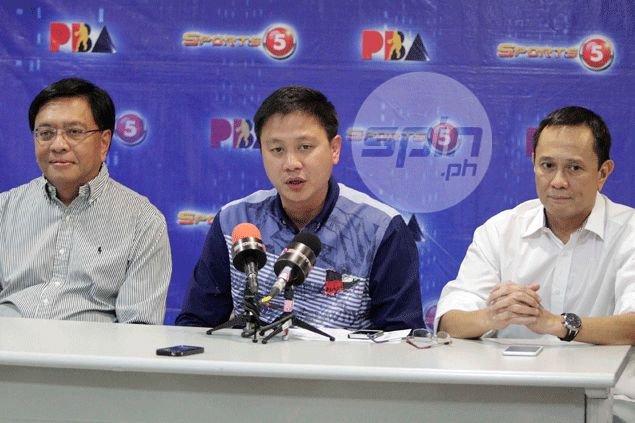 PBA chairman Patrick Gregorio divulges the candidates for PBA commissioner flanked by current league chief Chito Salud and Rey Canilao, head of head-hunter GESG. Jerome Ascano