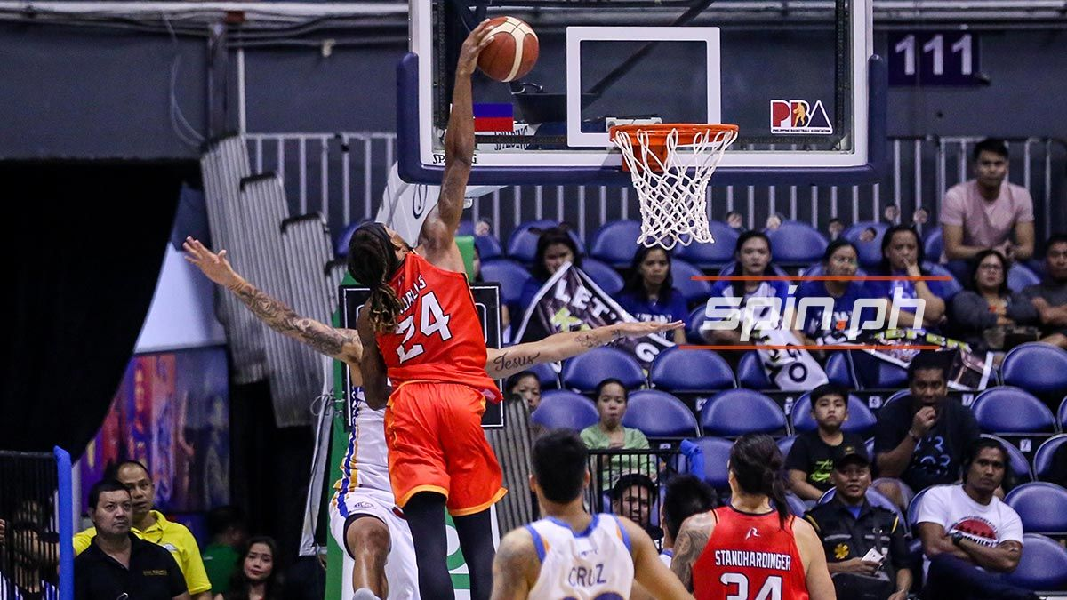 Michael Qualls keeps cool despite hits, 'racist jab' by NLEX player - Sports Interactive Network Philippines