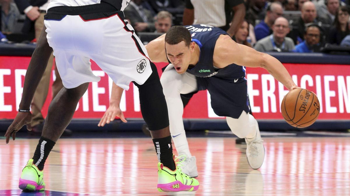 Dwight Powell Injures Achilles Tendon In Mavericks Game Vs